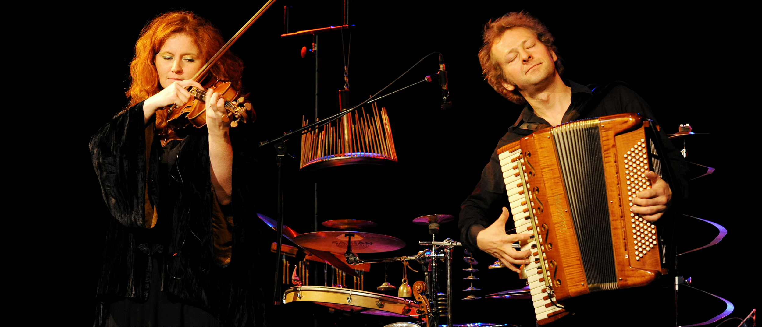 """""""Into the deep"""": Martina Eisenreich & Andreas Hinterseher (live). Photography by Yakup Zeyrek."""