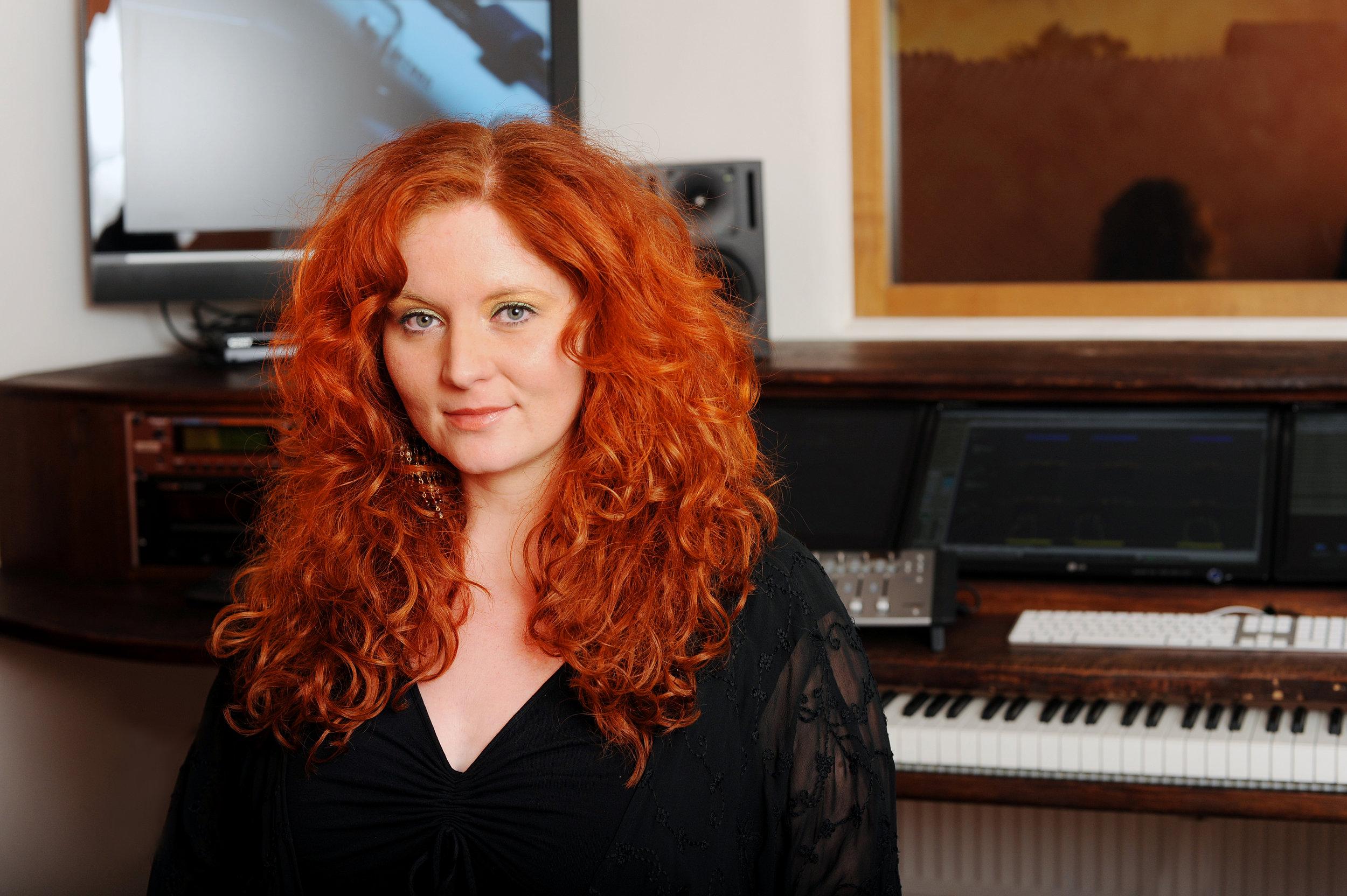 Martina Eisenreich, recording studio. Fotography by  Yakup Zeyrek  [Print Resolution, 7,5 MB]