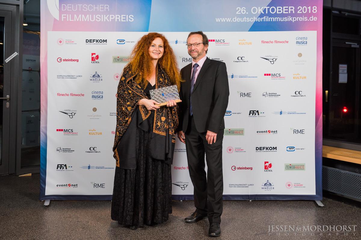 Martina Eisenreich und Prof. Dr. Georg Maas (Laudator). Foto:  deutscherfilmmusikpreis.de , ©Jessen Mordhorst