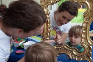 Kindergeburtstag_Kinderschminken_Eves_Spiele_Spa�_Verkleiden