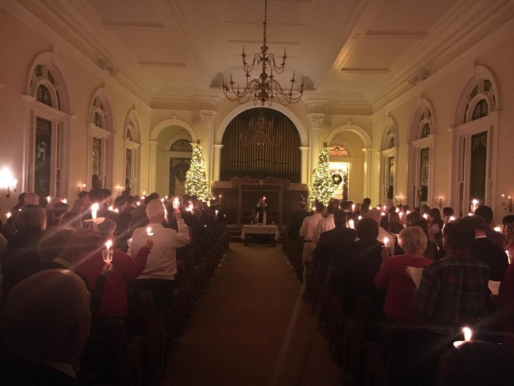 Christmas Eve Candlelight & Communion Service