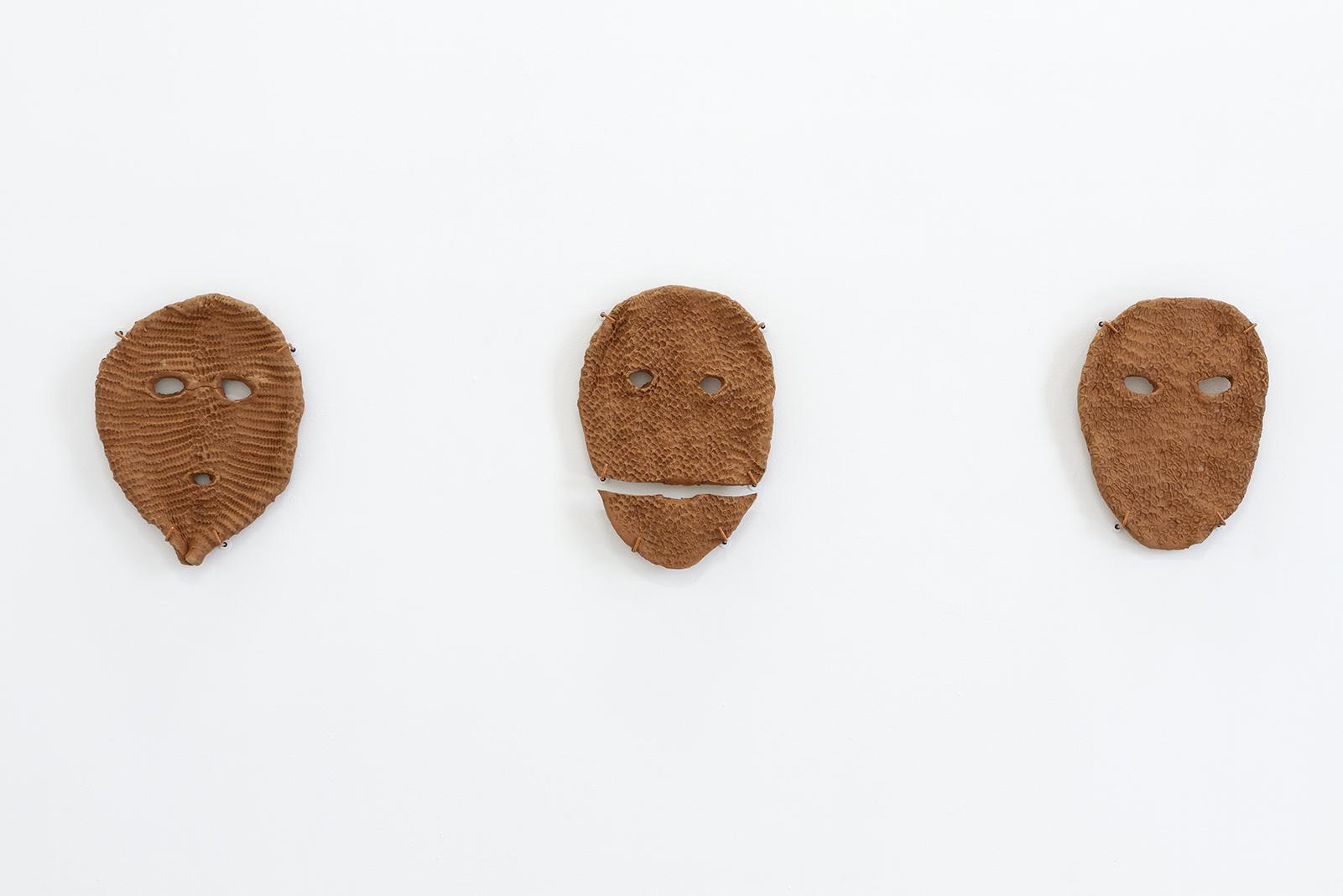 Hach Winik 1, 2  y  3 (2019) Barro Oaxaca. 30x22, 33x23 y 32x25 cm