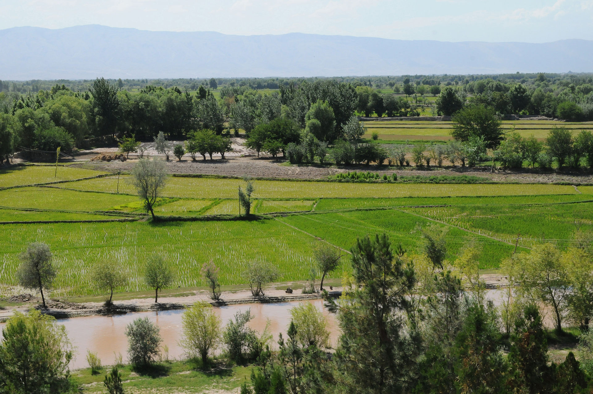 Hillside_view_in_Khawajah_Bahawuddin,_Takhar_Province,_Afghanistan.jpg