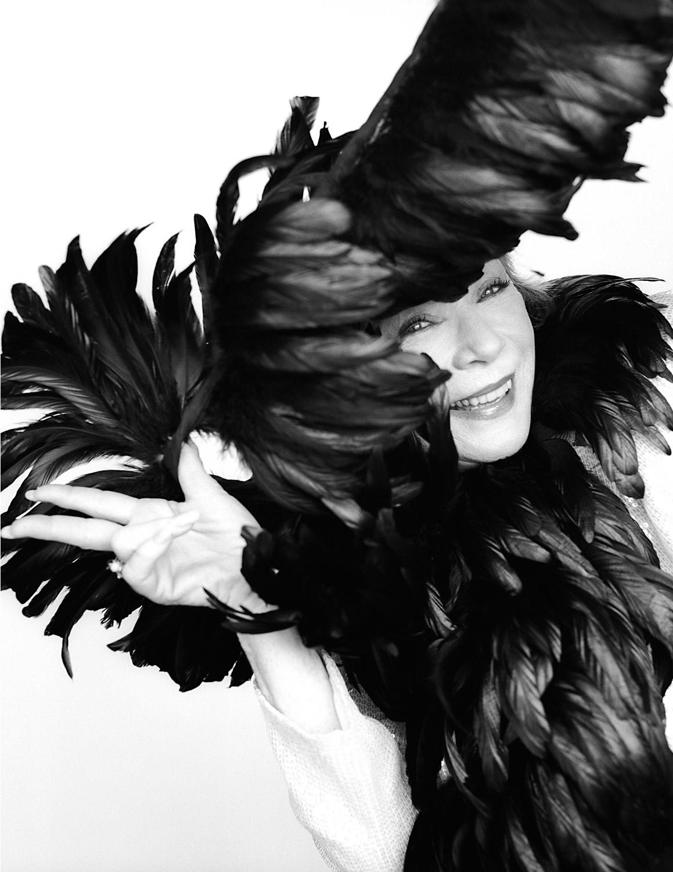 04-Shirley-McLaine.jpg
