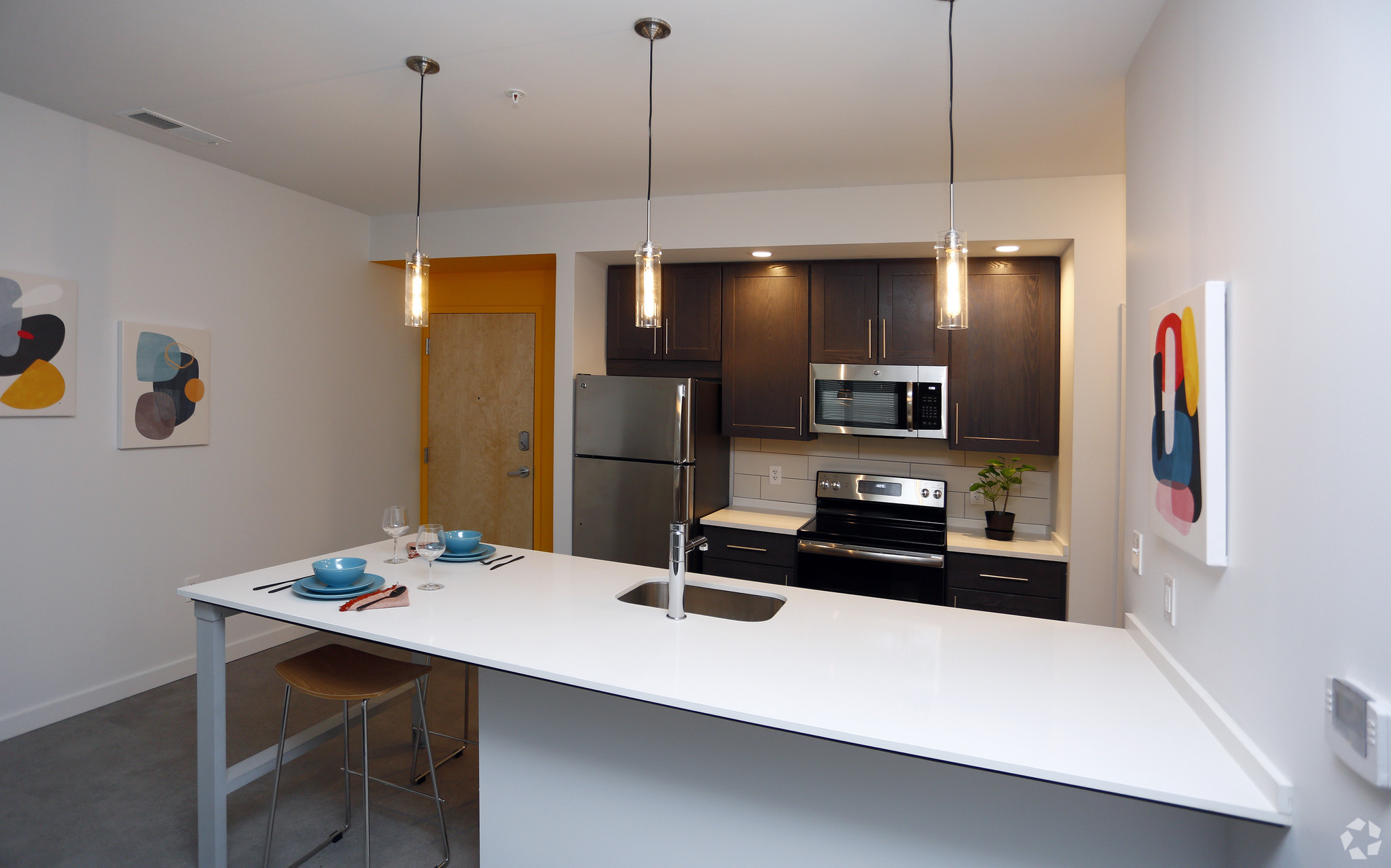 marq-lafayette-in-kitchen1br-1ba---834-sf (2).jpg