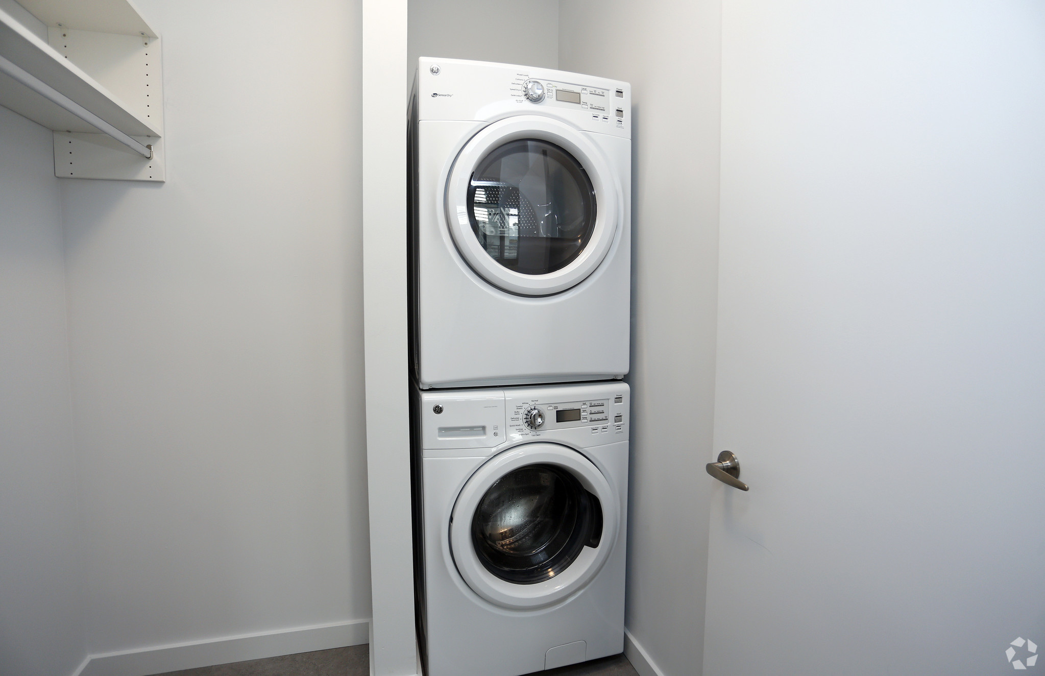 marq-lafayette-in-in-unit-laundry1br-1ba---834-sf.jpg