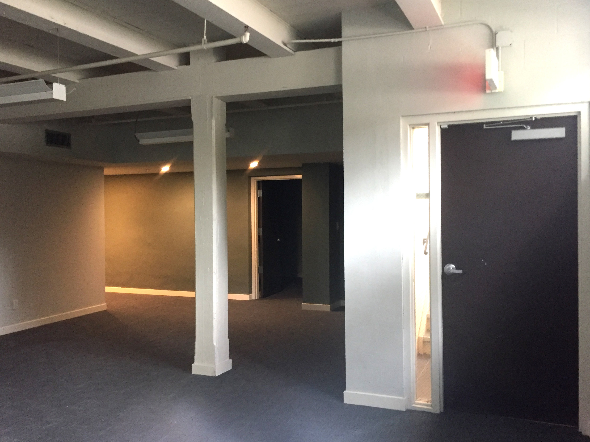 FPL_Commercial_FrontRoom.jpg