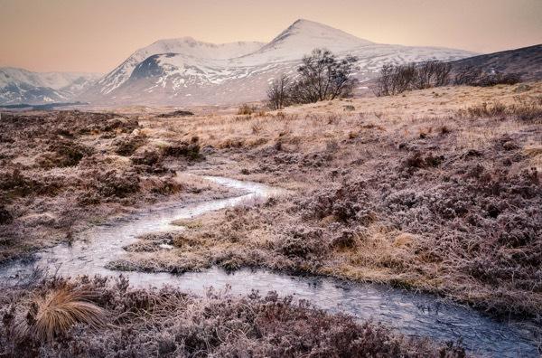Lehce mrazivé ráno na Rannoch Moor, Sony A7R