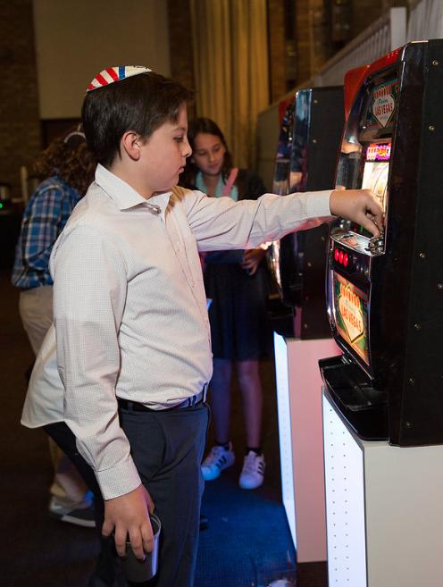 slot machine.png