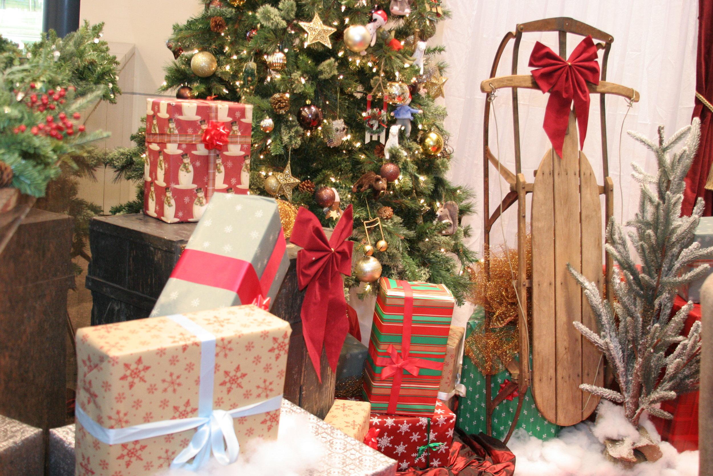 Holiday Set 2.JPG
