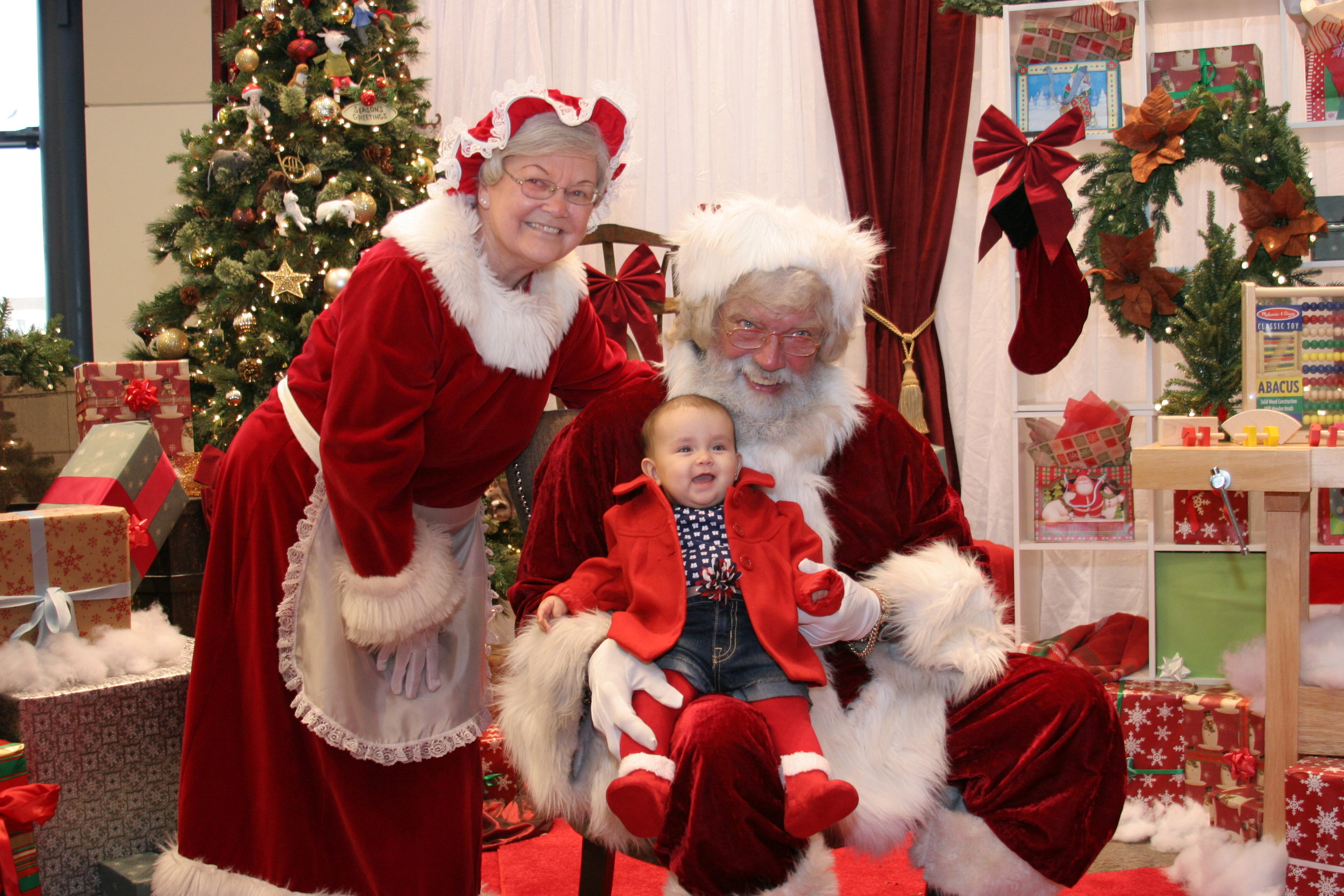 Santa Photo Set_2.JPG
