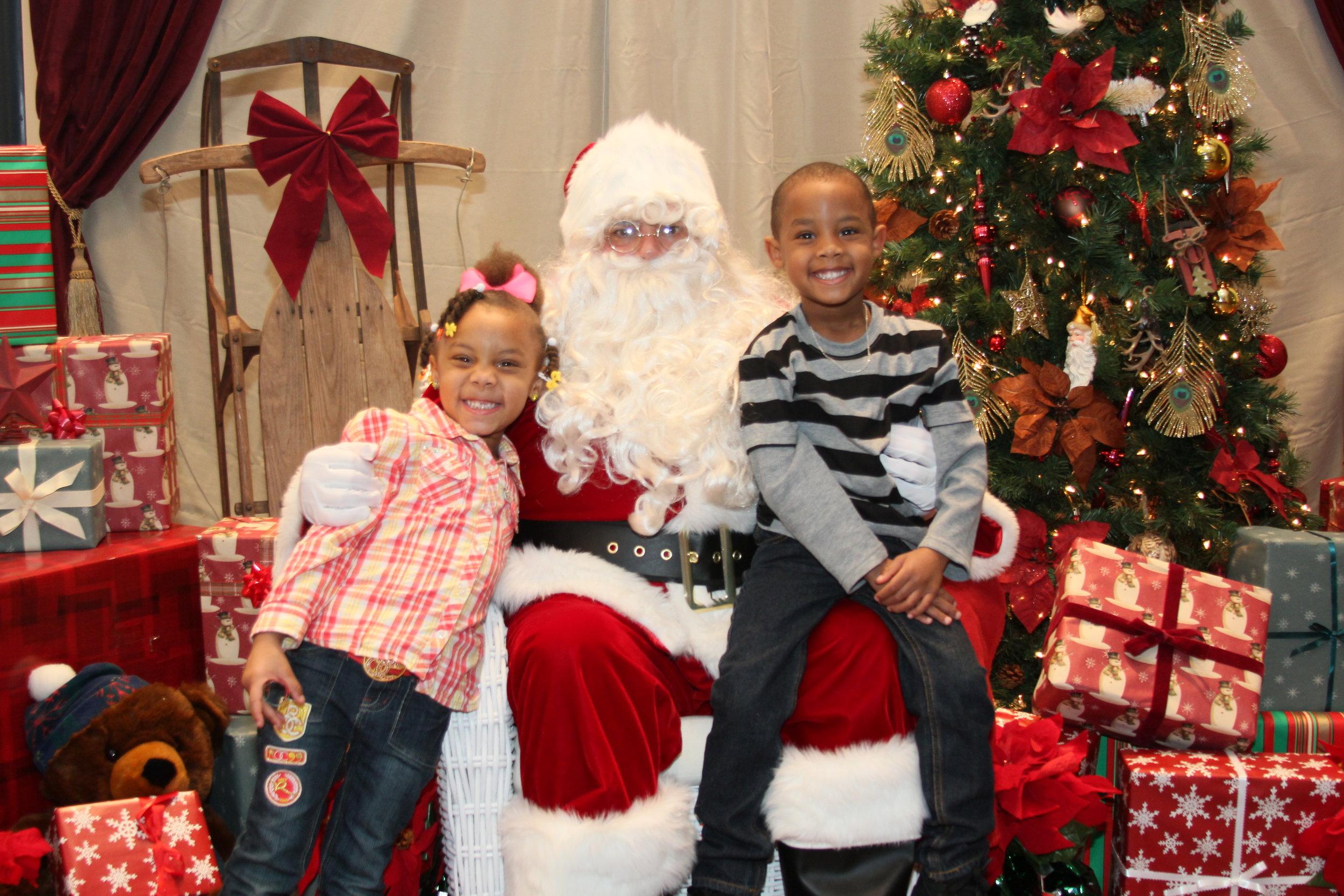 Santa Photo Set_5.JPG