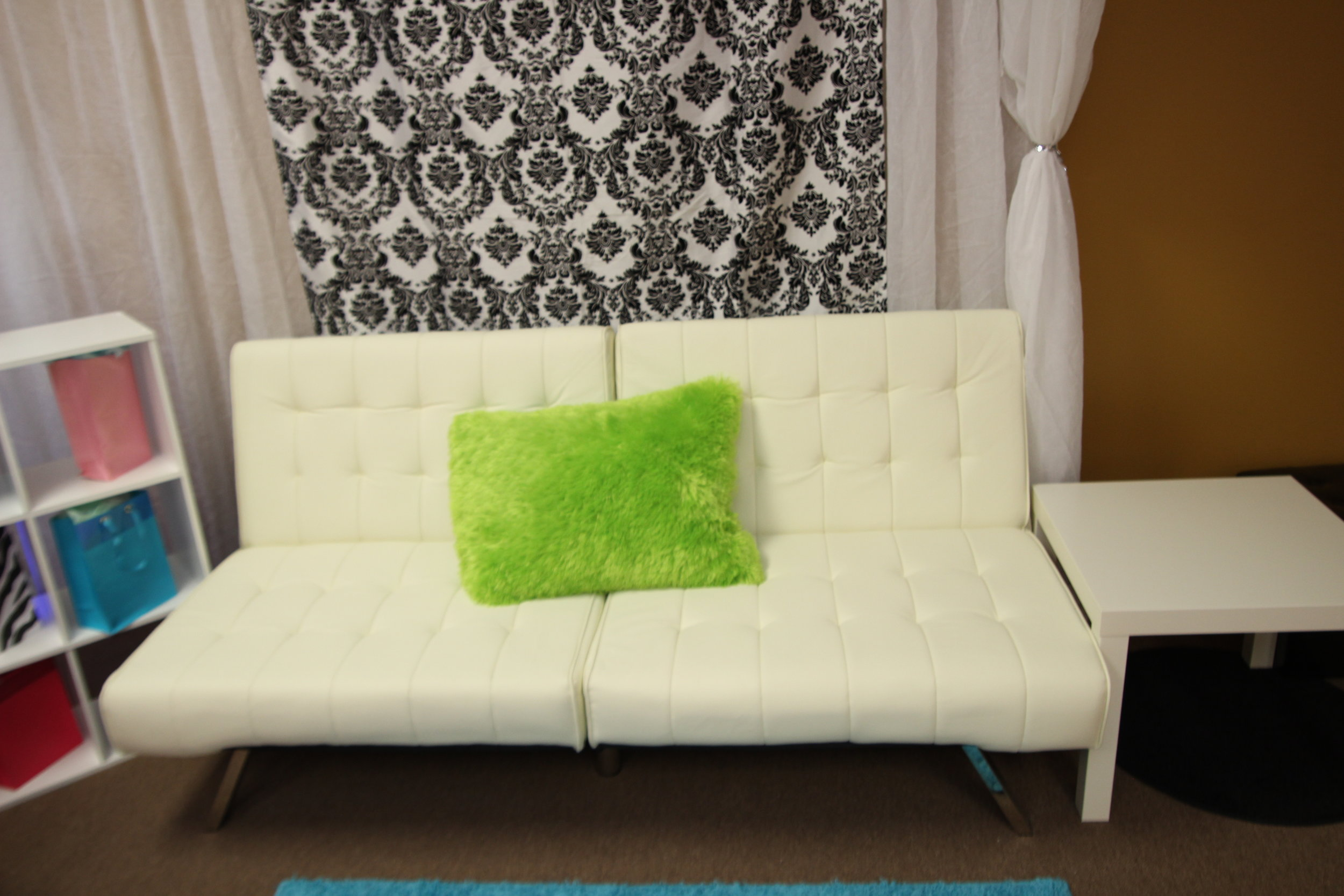 Couch- White leather.JPG