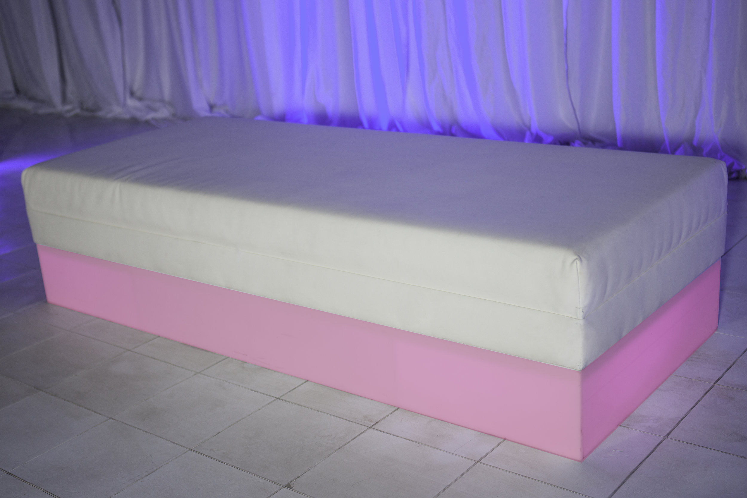 Ottoman- White leather with LED base_2.jpg