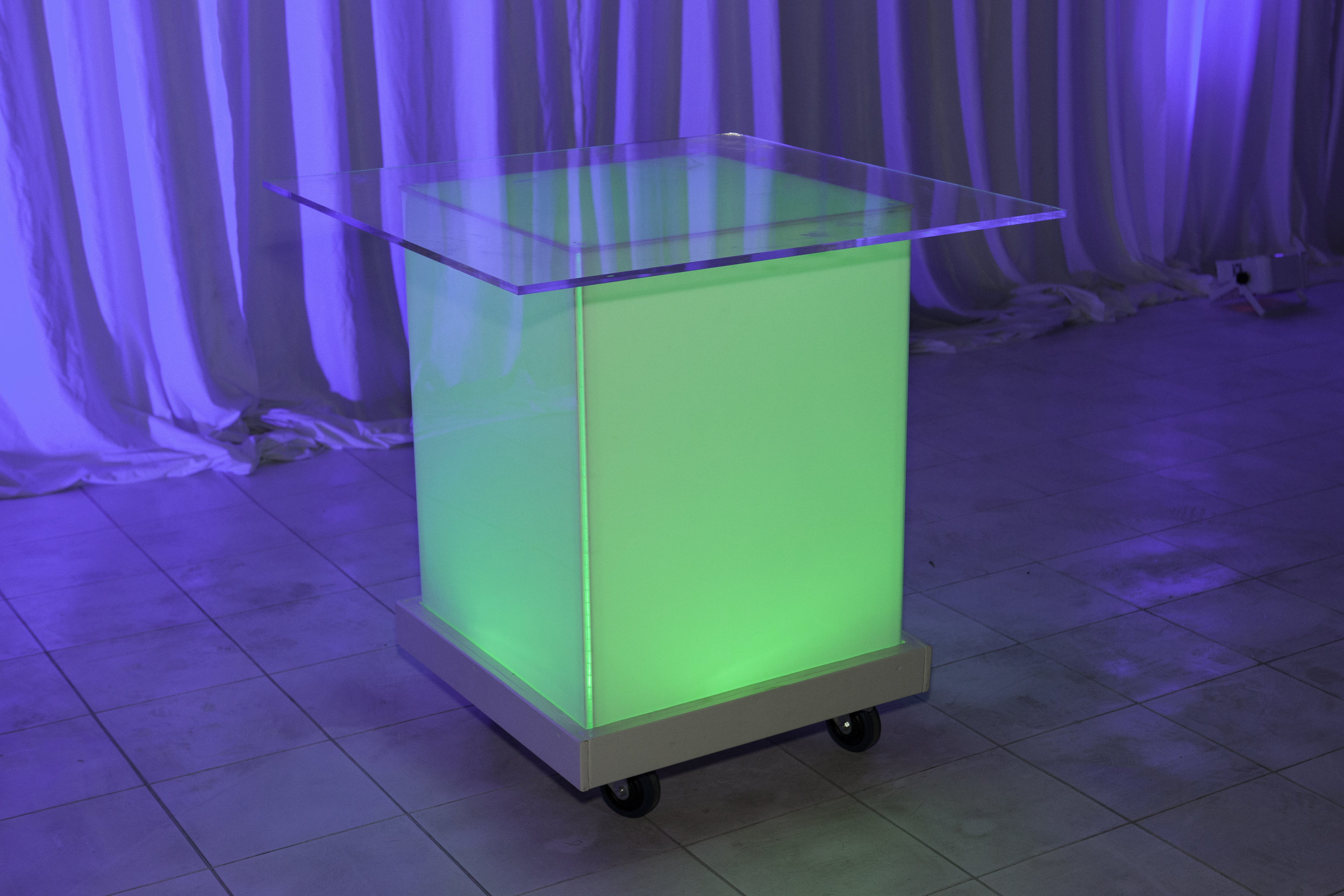 Table (Cocktail)- LED with Acrylic Top_1.jpg