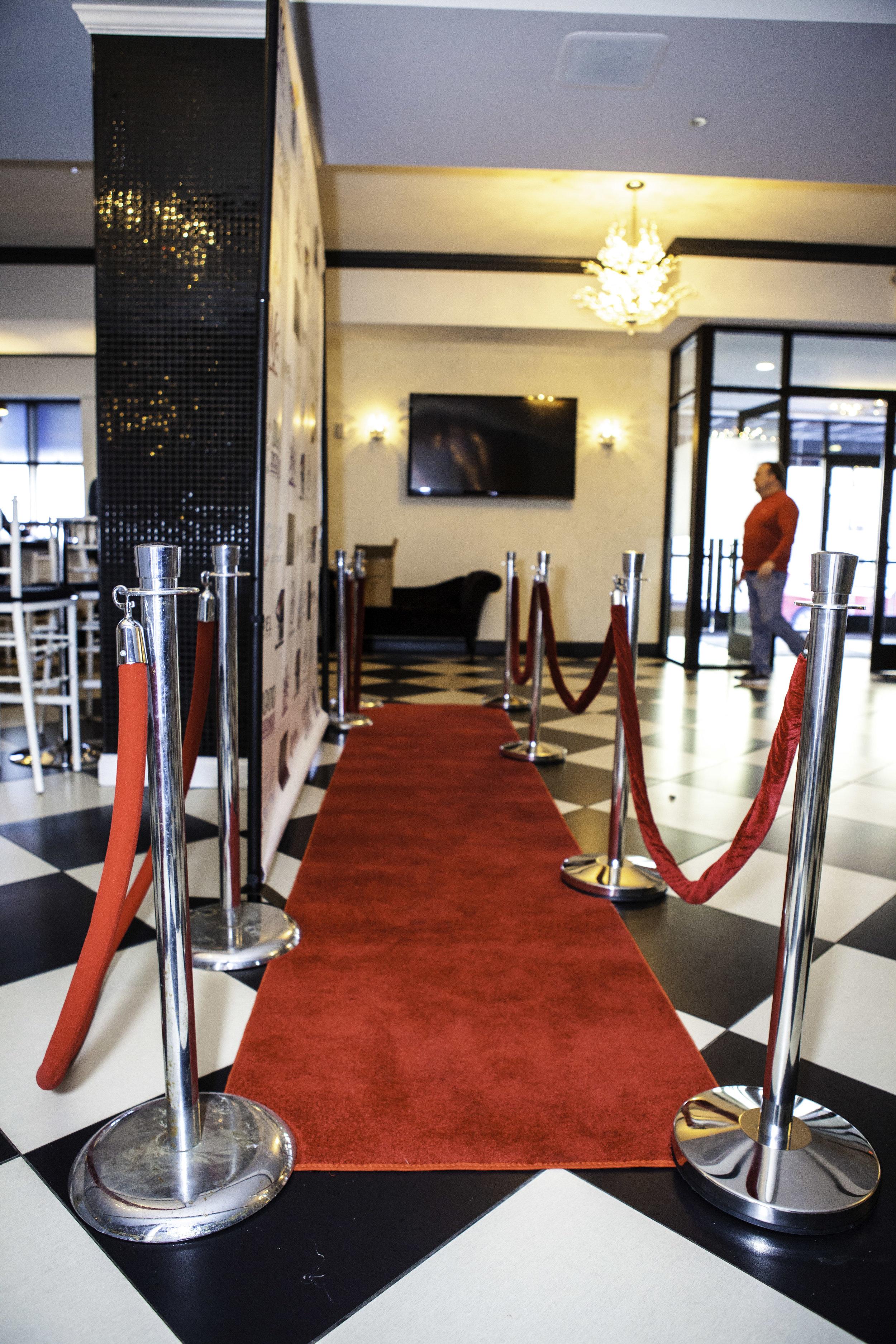 Red Carpet w: VIP Stanchions_2.jpg