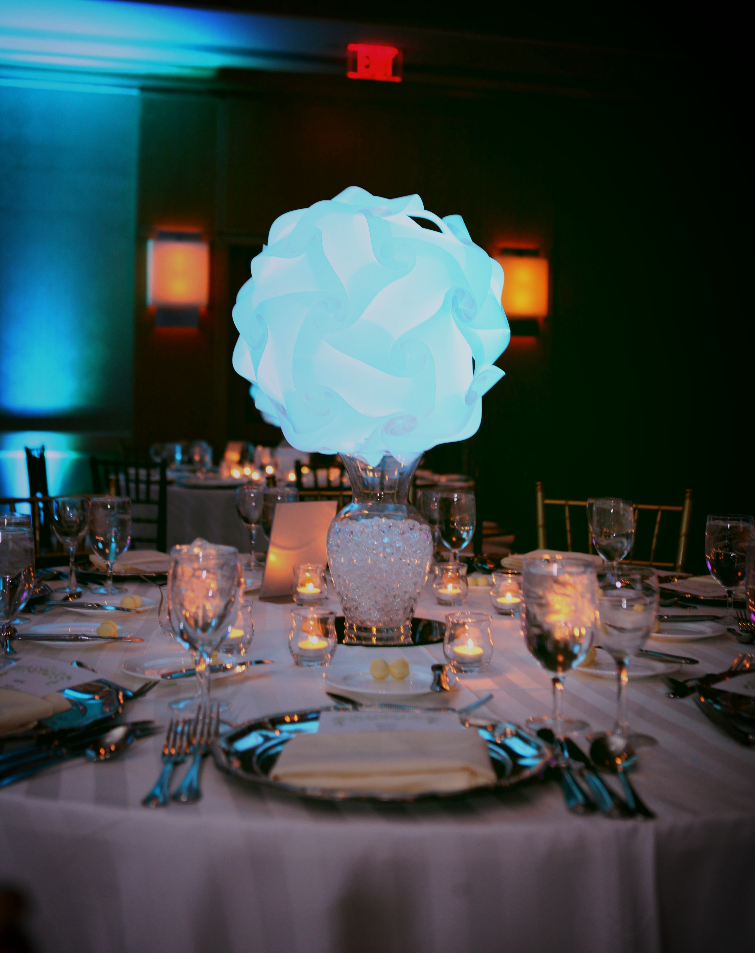 LED SPHERES / CENTERPIECES -