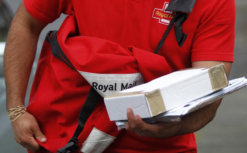 royal_mail_deliveryguy_cocoloves.jpg
