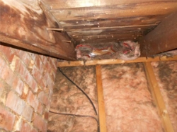 Knee Wall - dirty insulation from air leakage and mismanaged airflow