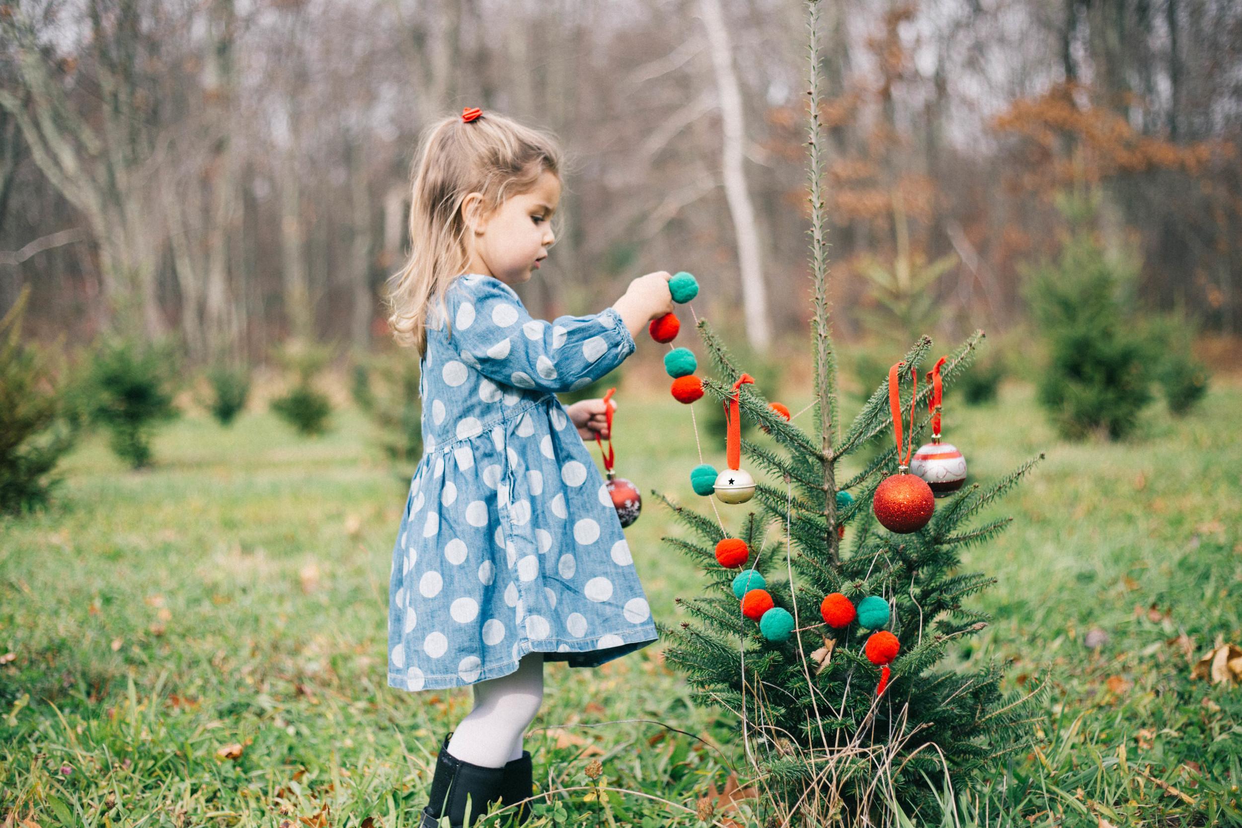 little_girl_christmas_ornaments