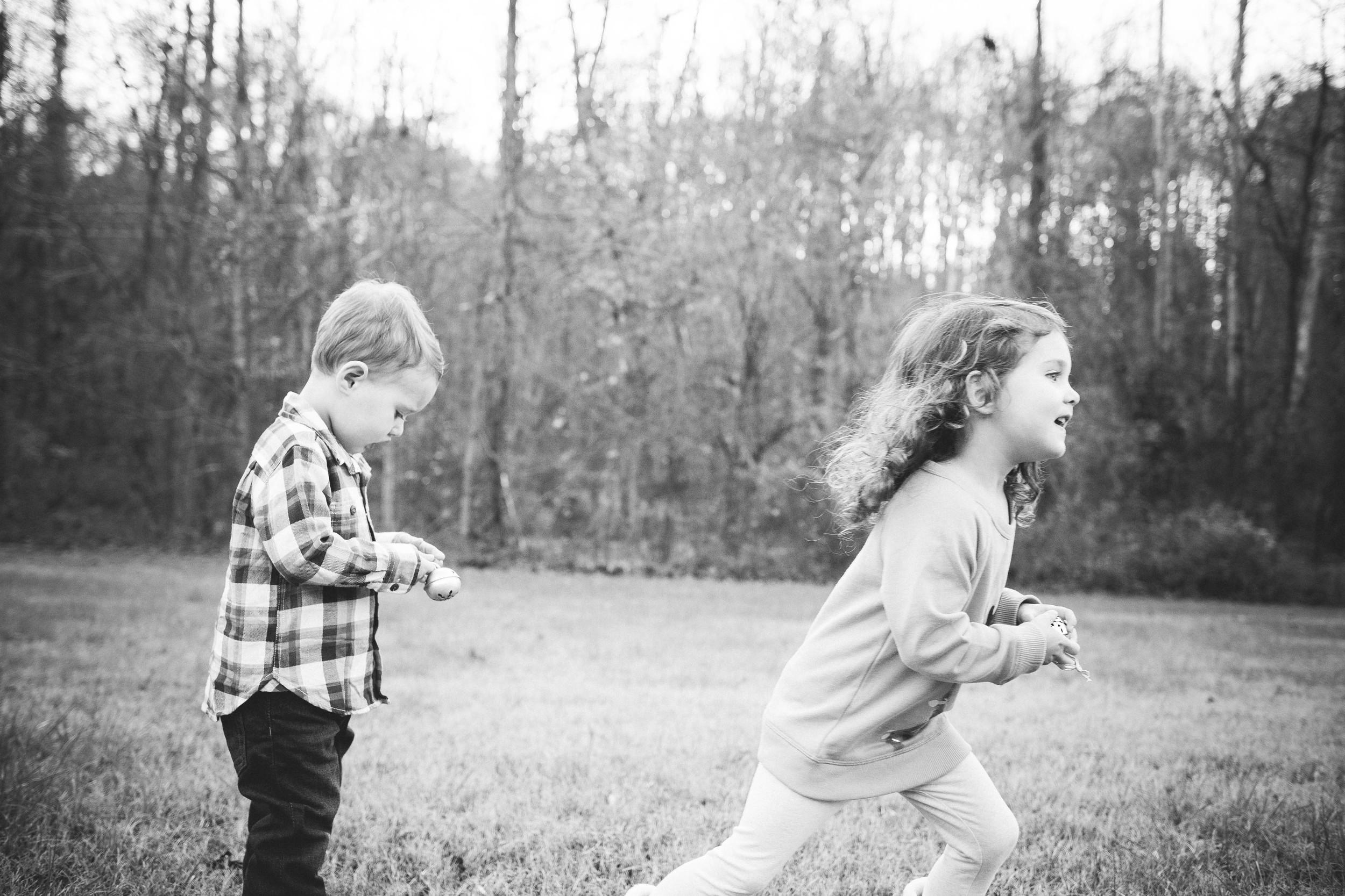 kids_playing_candid