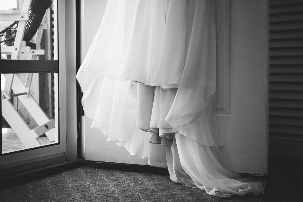 wedding_dress_blowing