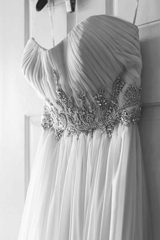 wedding_dress_door
