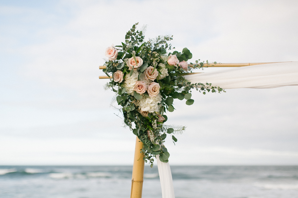 arbor_flower_arangement