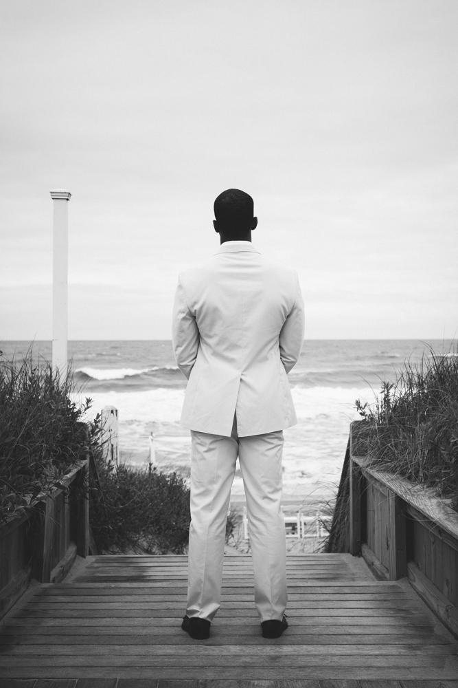 groom_first_look