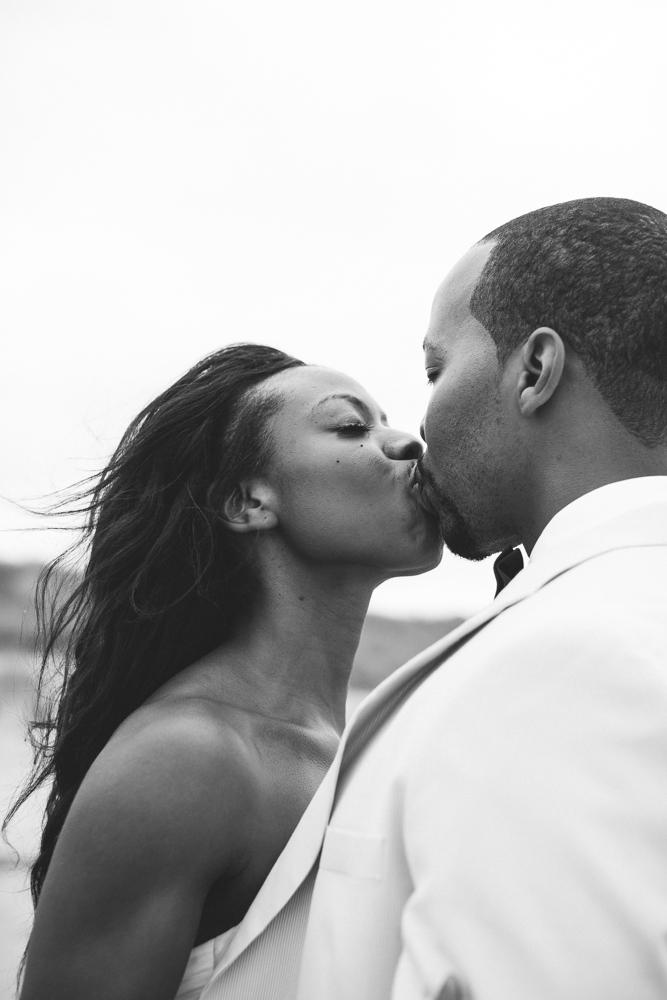 wedding_kiss_obx