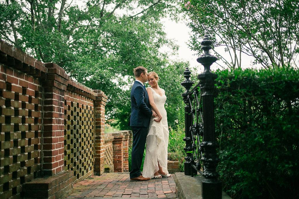 city_club_wedding_couple
