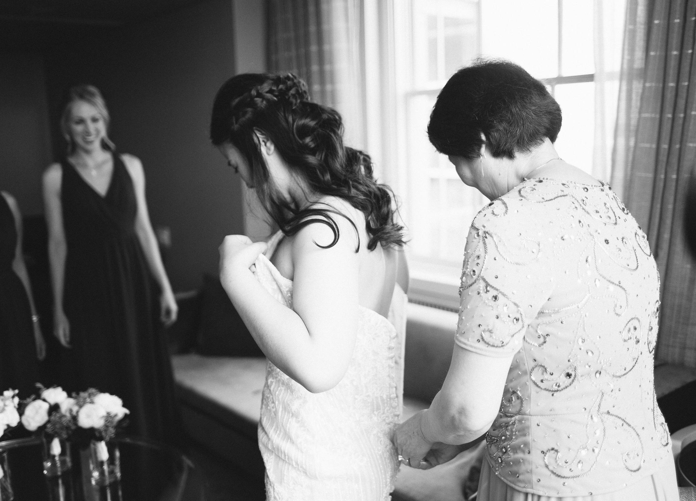 bride_getting_ready_21C_Durham