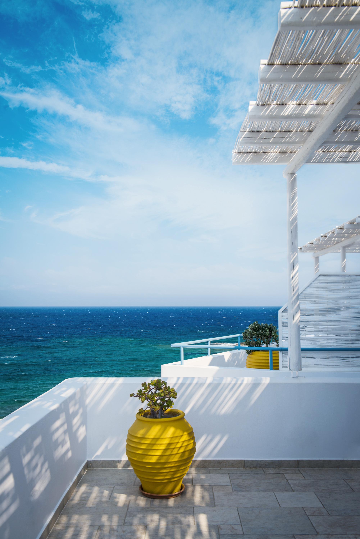 GREECE_FINAL_SELECTS_HOTEL_iPad-22.jpg