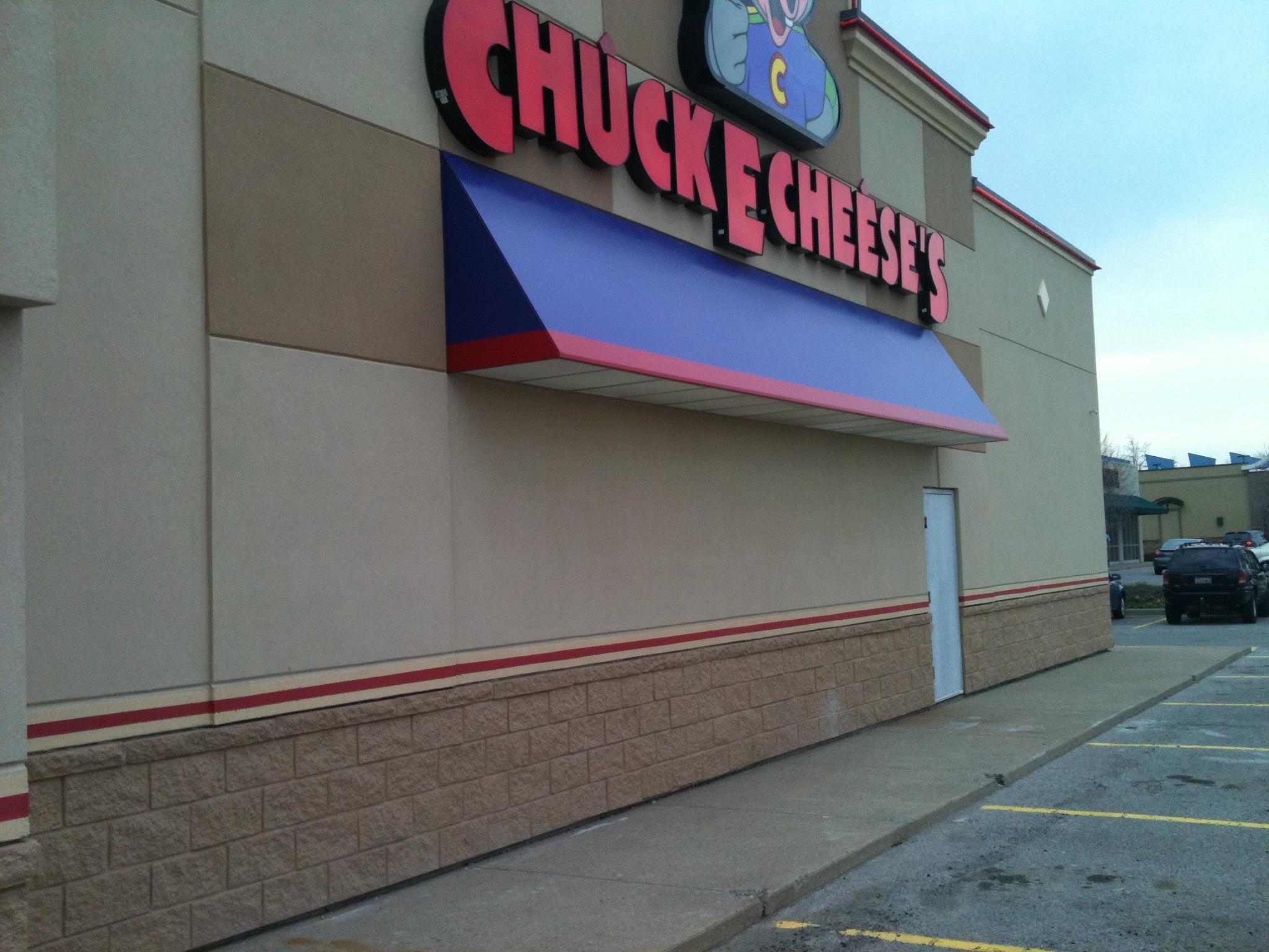 chuck e cheese building 4.JPG