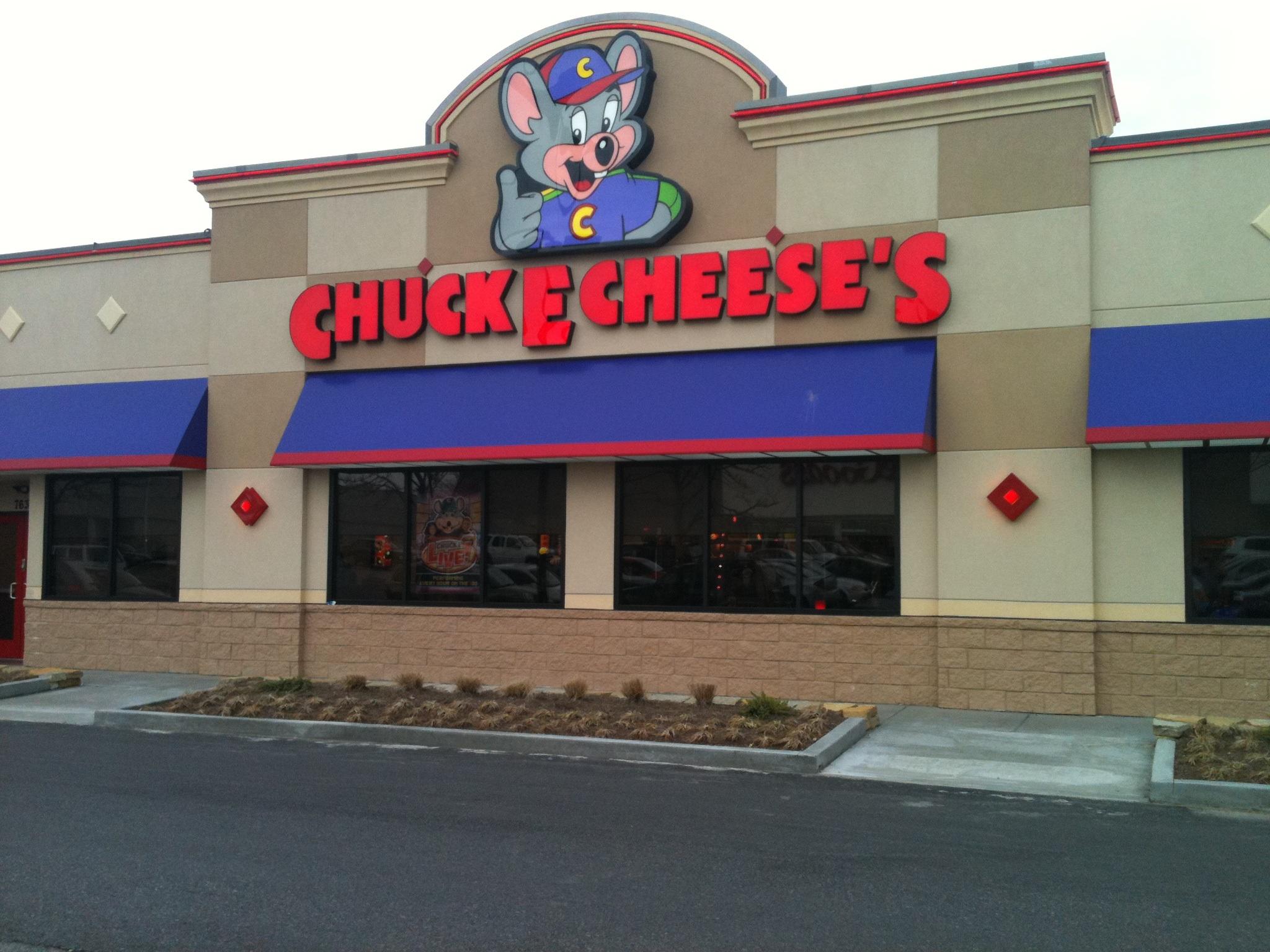chuck e cheese building 2.JPG