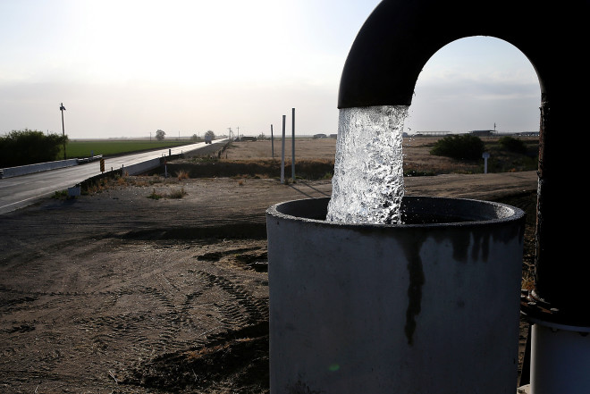 Groundwater pumping in California.  Photo: General Physics Laboratory.