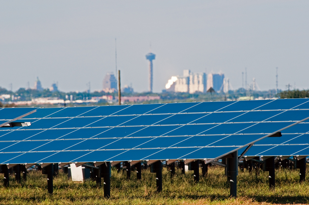 Solar panels near San Antonio, Texas form one of the largest solar farms in the United States. Photo: BlueWing.
