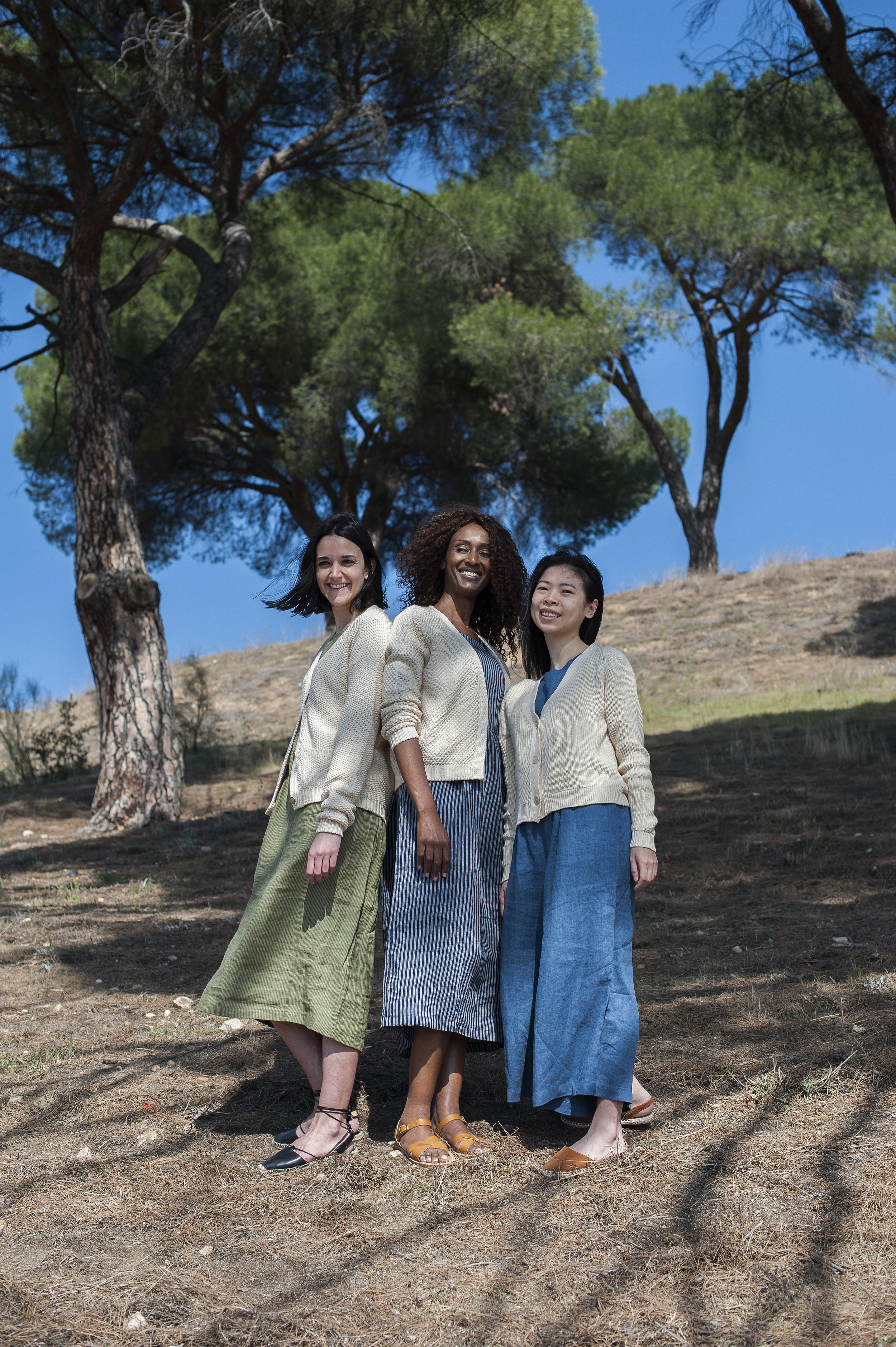 Lenvers Fashion new line of Organic Cotton Knitwear, paired with some Pyne & Smith dresses!