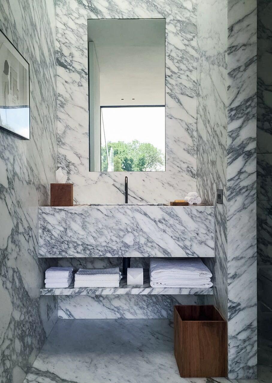 Town House Mexico City_Guest Bathroom_Marc Merckx Interiors