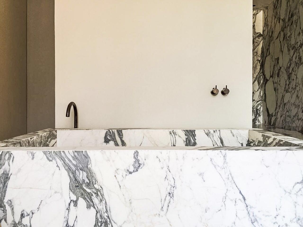 Town House Mexico City_Bathroom Marble Bath_Marc Merckx Interiors