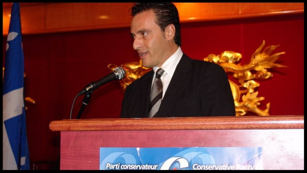 (  Michael Chamas speaks at a Conservative fundraiser in 2008. APTN/File Photo)