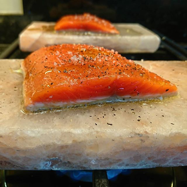 Cooking Wild Alaskan Salmon on a pink salt block!