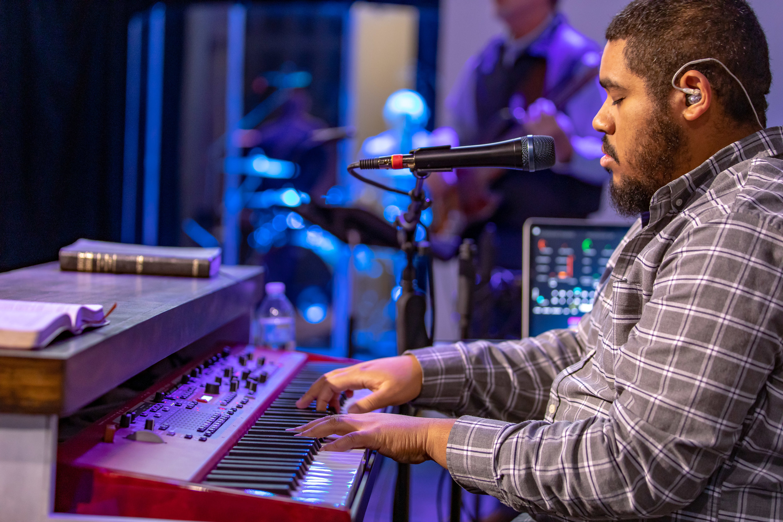 Willie Hadnot contemporary worship First Baptist Athens Texas.jpg
