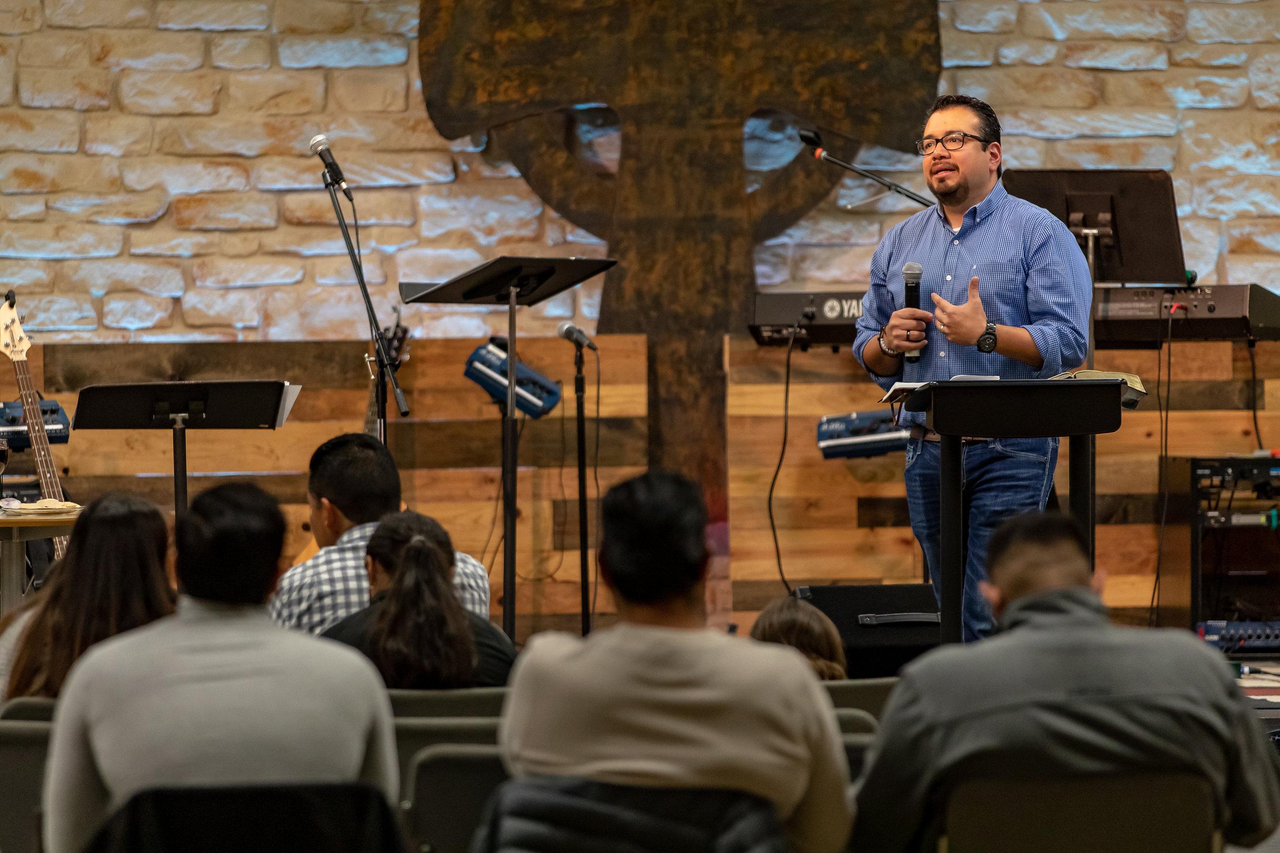 Juan Moreno Bilingual Pastor worship sermon First Baptist Athens Texas.jpg