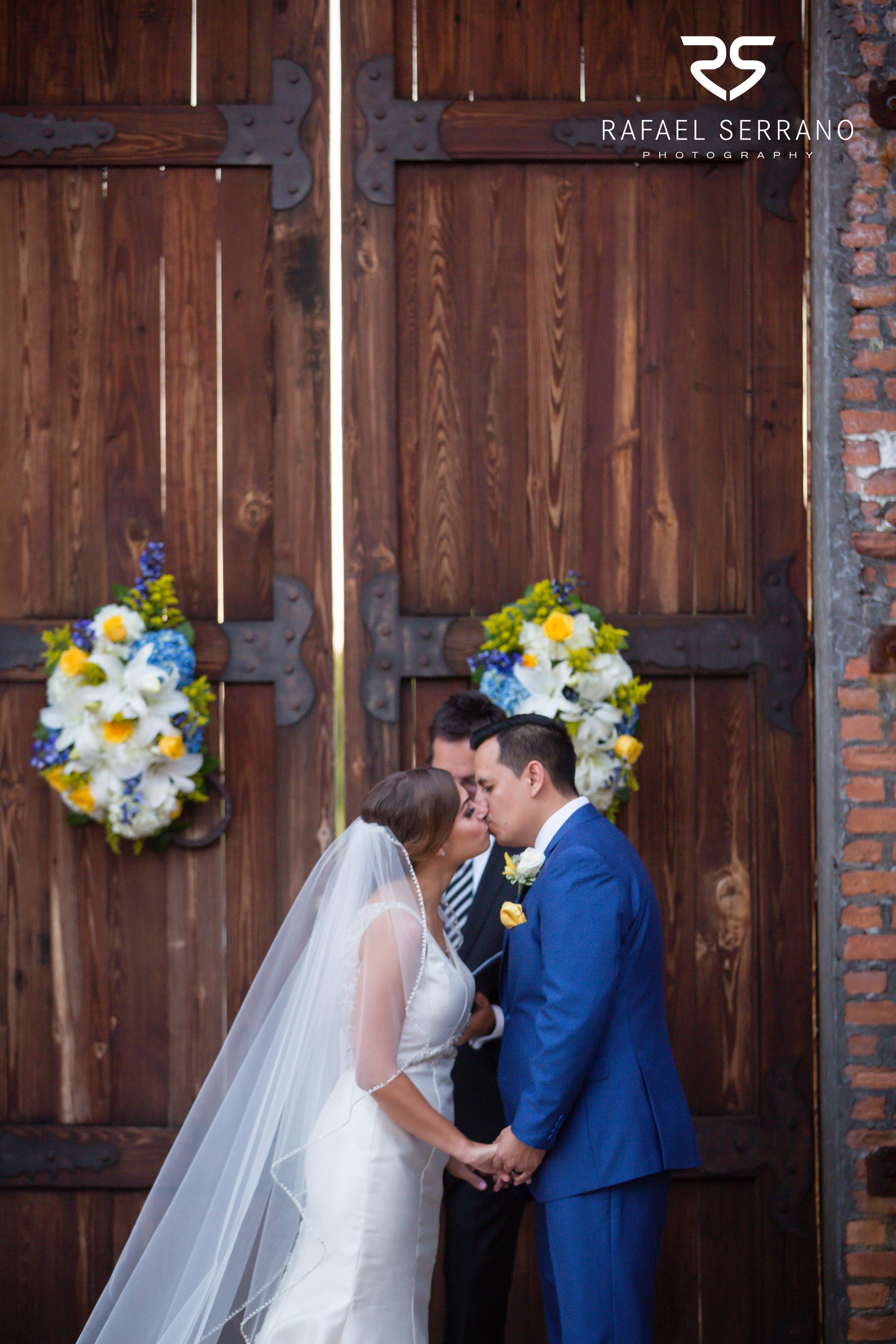 The Cotton Mill in Mckinney weddings025.jpg