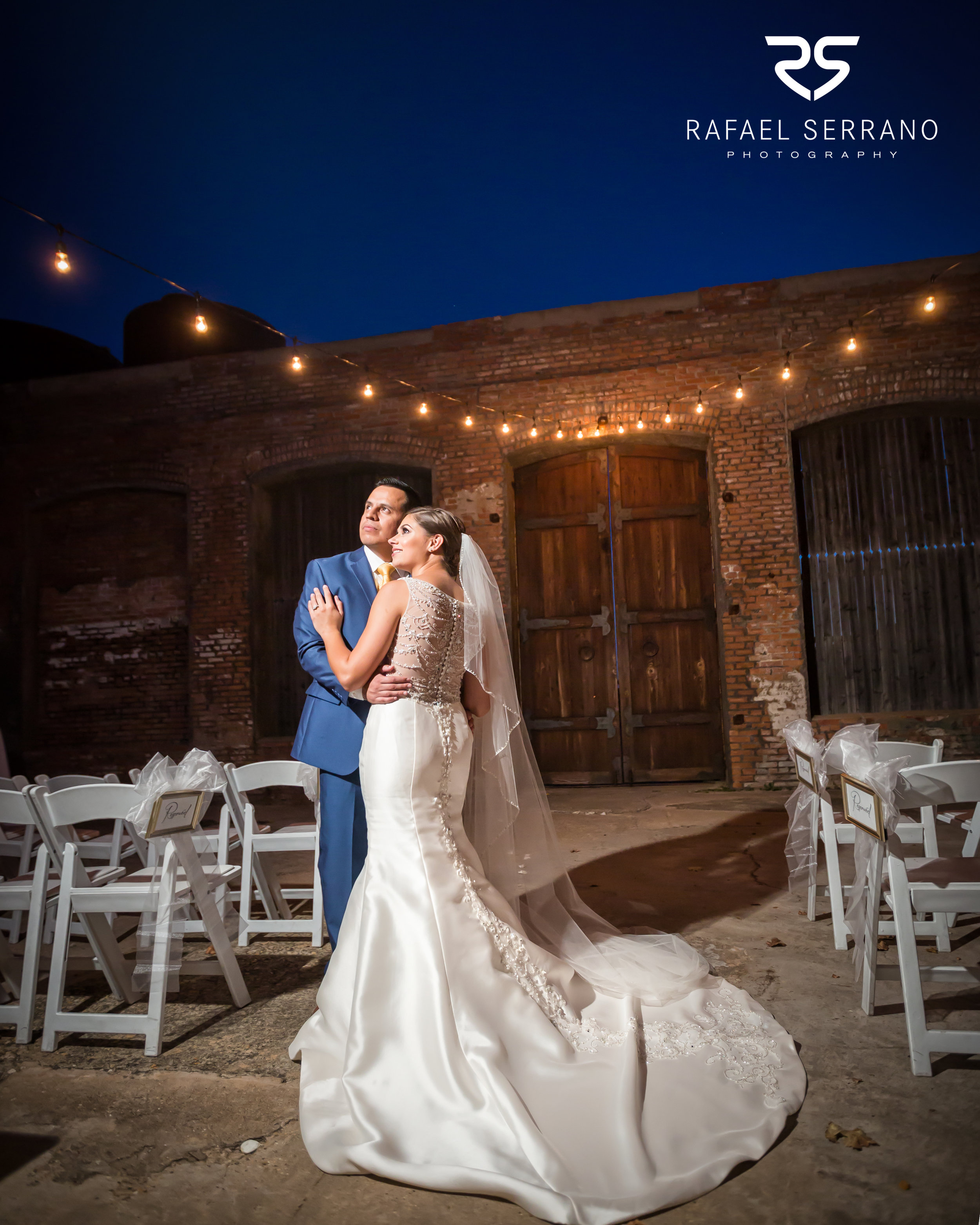 The Cotton Mill in Mckinney weddings031.jpg