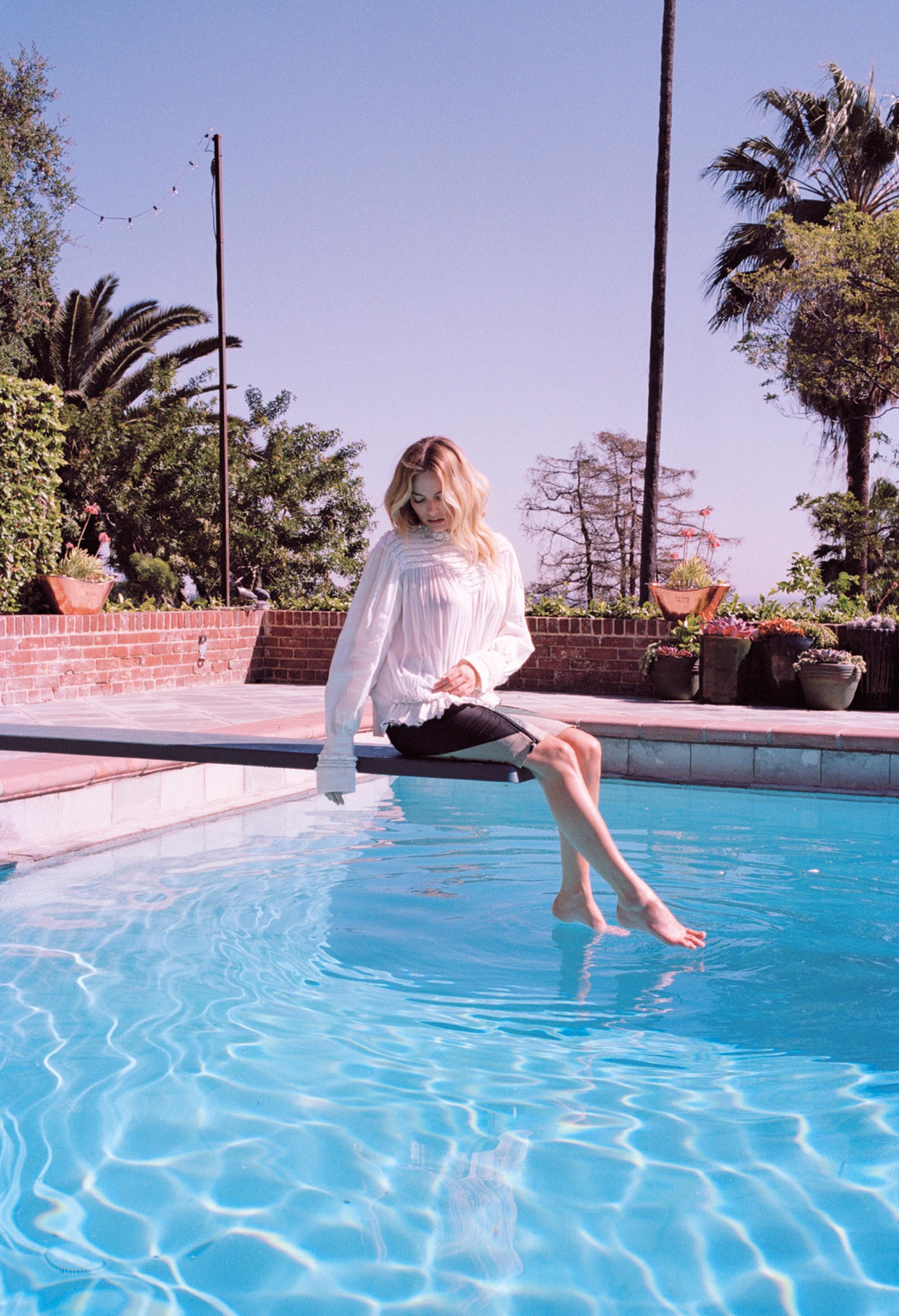 Margot Robbie- Max Doyle_Oyster_9.jpg