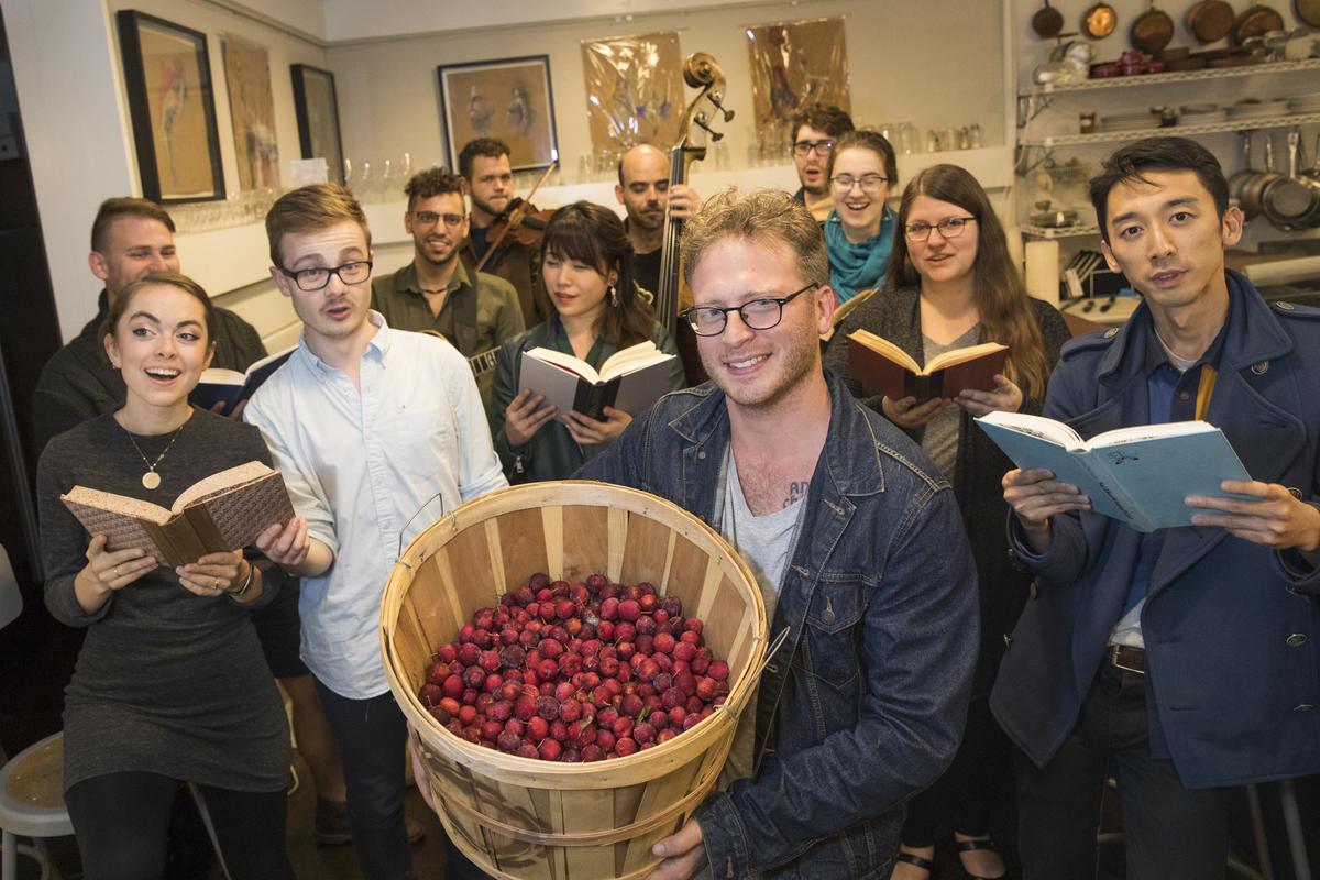 Herald. Apples. Nicolaus Czarnecki.jpg