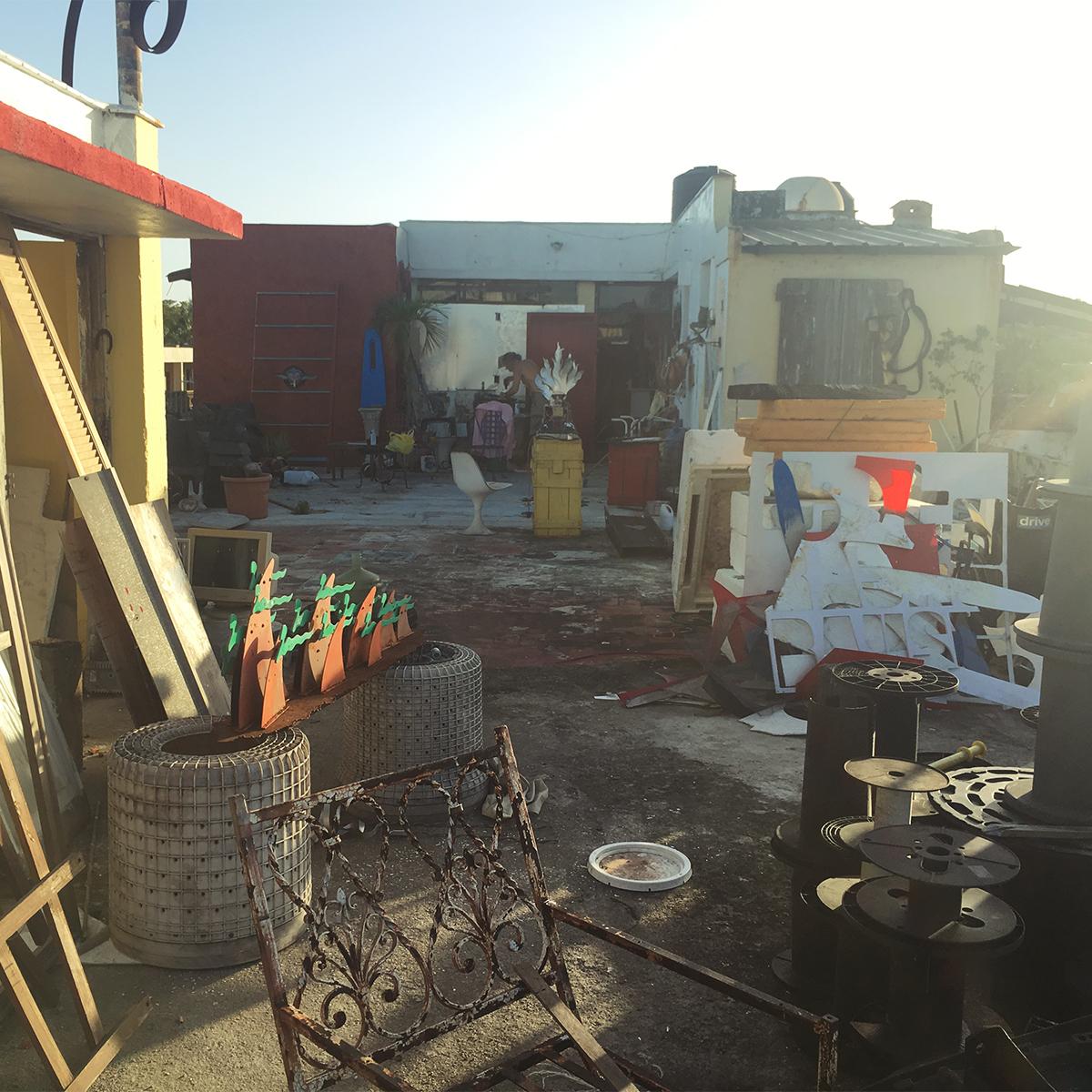 El taller del artista en Ciudad Nueva, Santo Domingo. Foto por José Morbán.