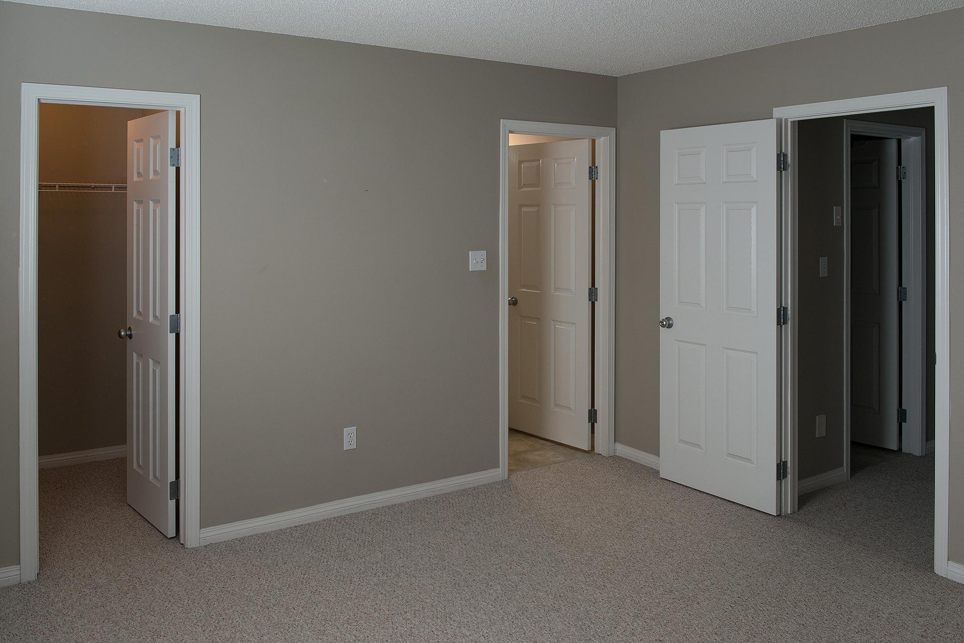 bedroom_master1.jpg